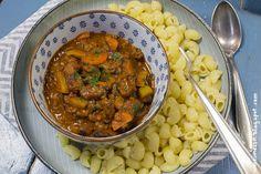 Noom! Soja-Gulasch 2.0 mit etwas Paprika und Möhrchen [vegan]   Wos zum Essn Blog