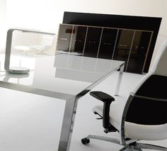 FLY desk by IVM