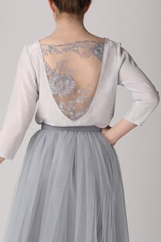 Grey silk topHandmade silk blouseHandmade silk top by Fanfaronada Picture Sizes, Silk Top, Designer, Style Me, Skirts, Fashion Design, Etsy, Outfits, Clothes