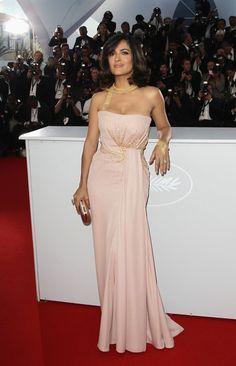 Salma Hayek Strapless Dress - Salma Hayek Looks - StyleBistro