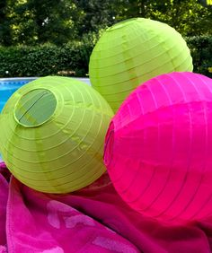 Hang assorted colored nylon (not paper) lanterns from your outdoor umbrella ribs. If it is an evening party, get battery operated ones to light up the party. #poolpartydecorations Pool Party Themes, Adult Party Themes, Pool Party Decorations, Party Ideas, Pool Candles, Diy Projects For Men, Pool Fountain, Diy Pool, Outdoor Umbrella