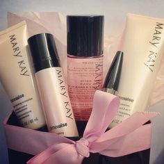 I know it's cold out ... but it's welcoming warm in Mary Kay Land ... Stop by TODAY 10 am - 1 pm ... Great Valentines Day Gifts & For yourself ... Sample any item you see on my website: www.marykay.com/bstern1 or text / call me 516-220-8865