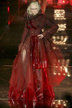Christian Dior at Couture Spring 2006 - Runway Photos