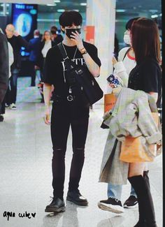 Hyunjin and Daehwi Mix Photo, Jeon Somi, Lil Boy, Airport Style, Handsome Boys, Korean Singer, Role Models, Korean Fashion, Hipster