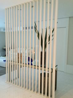 home designs ideas Decorative Room Dividers, Wooden Room Dividers, Kitchen Table Small Space, House Wall Design, Room Deviders, Types Of Wood Flooring, Privacy Fence Designs, Partition Design, Temporary Wall