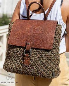Marvelous Crochet A Shell Stitch Purse Bag Ideas. Wonderful Crochet A Shell Stitch Purse Bag Ideas. Crochet Backpack, Crochet Tote, Crochet Handbags, Crochet Purses, Mochila Crochet, Crochet Shell Stitch, Macrame Bag, Purse Patterns, Knitted Bags