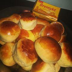 Hot Dog Buns, Hot Dogs, Piece Of Bread, Pretzel Bites, Baking, Food, Bakken, Essen, Meals
