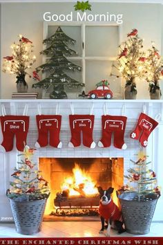 28 Fabulous DIY Christmas Centerpieces that Anyone can Make - The Trending House Diy Christmas Fireplace, Nordic Christmas, Christmas Candles, Christmas Centerpieces, Primitive Christmas, Outdoor Christmas, Country Christmas, Christmas Tree Decorations, Holiday Decor