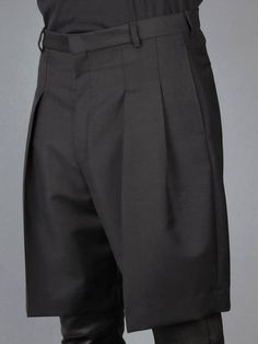 Pleated Over-sized Shorts Black & Graphite w/ Givenchy bermuda trousers with a pleated front