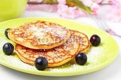 sugared pancakes - Pfannkuchen mit Puderzucker