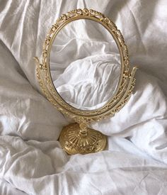 Gold Aesthetic, Classy Aesthetic, Small Mirrors, Gold Mirrors, Vintage Mirrors, Aesthetic Pastel Wallpaper, Photo Wall Collage, Classy Chic, Pure Products