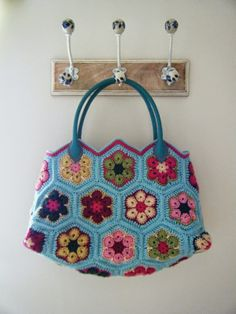 Betsy Makes ....: African Flower Bag