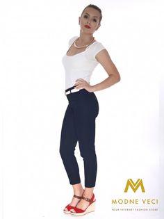 Ponúkame vám trendy slimkové nohavice s vyšším pásom ktorý krásne zvýrazni vaše ženské krivky Pohodlný materiál a SLIM FIT strih si získajú každú ženu. Nohavice je možné kombinovať k rôznym blúzka, sakám ktoré takisto môžete nájsť na našej stránke. Z prednej a zadnej strany sú vrecká falošné.Možnosť šitia užšieho alebo volnejšieho stihu, ak máte nejaké otázky neváhajte nás kontaktovať.
