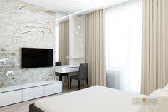 """Дизайн спальни двухкомнатной в трёхкомнатной квартире. Современный стиль, минимализм. Белый, бежевый, серый, чёрный. Студия дизайна """"Печёный""""."""