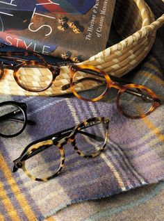 Bold Classic Frame in Light Tortoise with Black Temples Glasses For Face Shape, Men Eyeglasses, Fashion Eye Glasses, Eye Frames, Fashion Eyewear, Mens Glasses, Glasses Frames, Reading Glasses, Tortoise