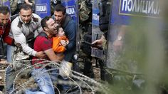 """28 agosto 2015 - Atti di #guerra: """"#Respingere gli #immigrati è un atto di guerra"""" lo ha detto #Papa Francesco ed ha aggiunto """"chiedo perdono per le persone e le istituzioni che chiudono la porta a questa gente che cerca vita, che cerca di essere custodita""""."""