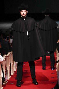 Mens Cape, Cloak, Capes, Menswear, Random, How To Wear, Dresses, Fashion, Tablecloths