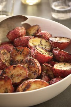 Who doesn't love a great dinner party? See our favorite fall recipes: Roasted Potatoes 7 Recipes For Your Next Fall Dinner Party - Authors of the newly released Blue Bloods Cookbook dish on their top picks for a seasoned fall menu. Full Course Meal, Fall Dinner Recipes, Autumn Recipes Party, Healthy Fall Recipes, Fall Meals, Fast Recipes, Paleo Recipes, Dinner Ideas, Vegetables