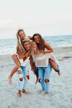 ☆p i n t e r e s t : bff pictures, summer pictures, beach pictures, beach Bff Pics, Photos Bff, Cute Friend Pictures, Cute Photos, Best Friend Fotos, Shotting Photo, Best Friend Photography, Friend Poses, Cute Friends