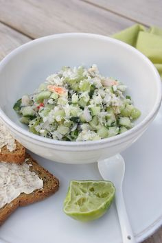 Fresh starter with krab, lime and kiwi | Krabtartaar met kiwi | Recipe by Rachel Khoo on www.francescakookt.nl