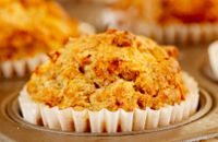 Diabetes-Friendly Banana-Carrot and Pecan Muffins Recipe Diabetic Desserts, Diabetic Recipes, Yummy Eats, Yummy Food, Banana Carrot Muffins, Sugar Free Cookies, Good Foods For Diabetics, Cafe Food, Diabetic Friendly