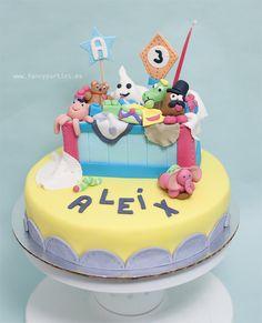 Toy Box Cake by www.fancyparties.es