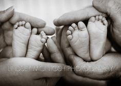 Newborn twins and their feet: Lindsey McIntosh Photography