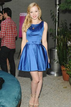 +7 si te gusta Dove Cameron.///. I THINK I DO HAVE THIS PHOTO, BUT NEVER THE LESS ILOVE DOVE AND HER CUTE BLUE DRESS. LOVELY LEGS. Sal P.