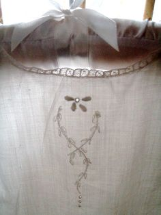 . . . Cabin & Cottage : A Little Weekend Linen and Lace