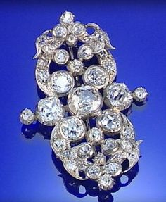 DIAMOND BROOCH, 19TH CENTURY, OF OPENWORK ABSTRACT DESIGN