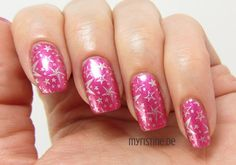 Flashy Pink Nails mit Girls Night Out (ESSENCE, Colour & Go Nail Polish)