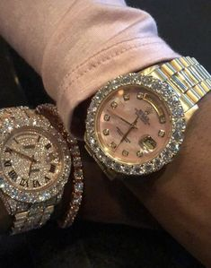 Image about pink in accessories&jewelry 😊 by Shea - couple, diamonds, and glam image - Cute Jewelry, Body Jewelry, Jewelry Accessories, Fashion Accessories, Fashion Jewelry, Accesorios Casual, Expensive Jewelry, Expensive Watches, Diamond Are A Girls Best Friend