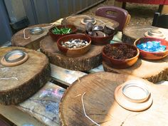 The Outdoor Classroom Provocations & Beautiful Materials Take a moment and p… – Natural Playground İdeas Natural Playground, Outdoor Playground, Playground Ideas, Nursery Activities, Preschool Activities, Outdoor Activities, Outdoor Classroom, Outdoor School, Outdoor Play Spaces