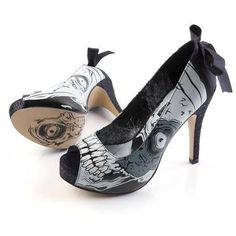 Kickass stilettos! Just the right fashion statement when you're kicking the shit out of #zombies.