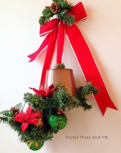 ADORABLE Turn Dollar Store Buckets into a Christmas Wall Hanging In Less Than 10 Minutes #diy