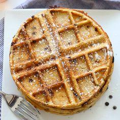 Oatmeal Chocolate Chip Waffles http://www.runnersworld.com/breakfast/6-high-protein-dessert-waffles/slide/5