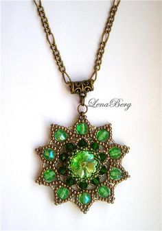 "Pendant ""Galina"" tutorial. Very detailed, really pretty and I love that the back is fully covered in beads."