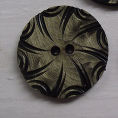 6 GORGEOUS JET BLACK VINTAGE STYLE COAT BUTTONS WITH FLOWER AND LEAF DESIGN 15mm