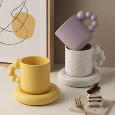 Porcelain Mugs, Ceramic Cups, Ceramic Pottery, Pottery Art, Ceramic Art, Pottery Designs, Ceramic Decor, Diy Clay, Clay Crafts