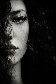by Stas Pushkarev Self Portrait Photography, Photo Portrait, Photography Poses Women, Girl Photography Poses, Female Portrait, Portrait Art, Creative Photography, Beauty Portrait, Portrait Poses