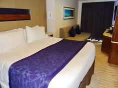 Information and photos of the cabins and suites on the Norwegian Getaway cruise ship
