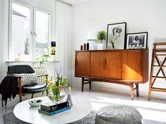mi piacciono le gambe arrotondate ed esili dei mobili anni '60.