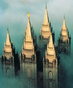 SUCH a COOL pic of the Salt Lake City, UT Temple. Learn more about LDS temples at it looks like Harry potter Mormon Temples, Lds Temples, Salt Lake City, Wyoming, Nebraska, Later Day Saints, Temple Pictures, Church Pictures, Wedding Pictures