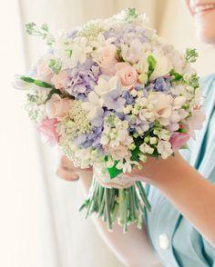 20 Mixed Pastel Wedding Bouquets | SouthBound Bride | http://www.southboundbride.com/20-mixed-pastel-wedding-bouquets | Credit: Matt and Lena Photography/Martins Alves via Style Me Pretty