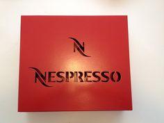 Estojo para armazenar cápsulas de café Nespresso e Dolce Gusto. O estojo da Nespresso acomoda 56 cápsulas. O estojo da Dolce Gusto acomoda 25 cápsulas.     www.elo7.com.br/decorachados www.facebook.com/decorachados