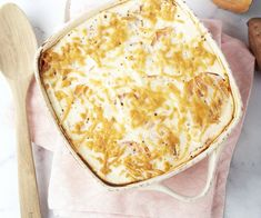 Moussaka met zoete aardappel en ricotta Moussaka, Ricotta, Pureed Food Recipes, Camembert Cheese, Dairy, Veggies, Yummy Food, Dinner, Healthy