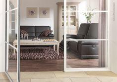 © interieurmagazine.com Op en top Belgische meubelen met een tijdloze uitstraling die gezien mag worden. Het salon is elektrisch in hoogte verstelbaar en dat garandeert je onbeperkt zitplezier ...