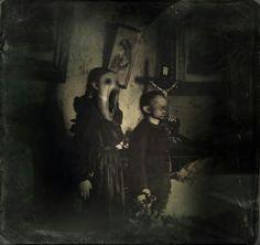 death Black and White horror dark fear morbid preto e branco darkness thriller medo Macabre terror melancholia sombrio Creepy Horror, Creepy Art, Horror Art, Creepy Kids, Creepy Stuff, Creepy Things, Creepy Children, Creepy Smile, Creepy Ghost
