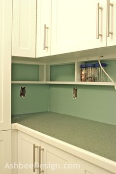Kitchen Remodeling: Choosing Your New Kitchen Cabinets - Kitchen Remodel Ideas Diy Kitchen Storage, Kitchen Redo, Kitchen Organization, New Kitchen, Kitchen Cabinets, Smart Kitchen, Kitchen Ideas, Kitchen Counters, Organizing