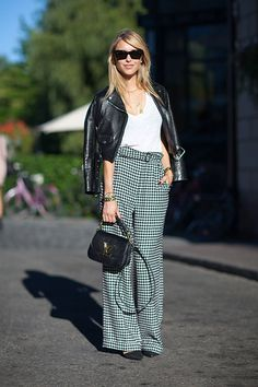 Street Style, I can't wear herringbone but Iove this look, casual and comfy and sophisticated